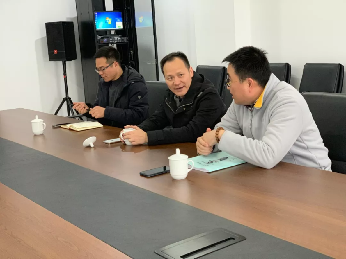 热烈欢迎杭州西湖区体育局领导莅临游族云栖国际体育中心!